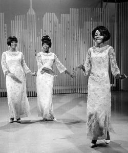 500px-The_Supremes_1966