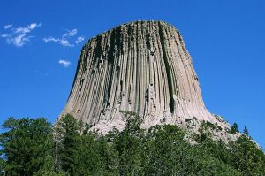 800px-Devils_Tower_CROP
